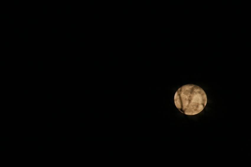 2011_01_moon01